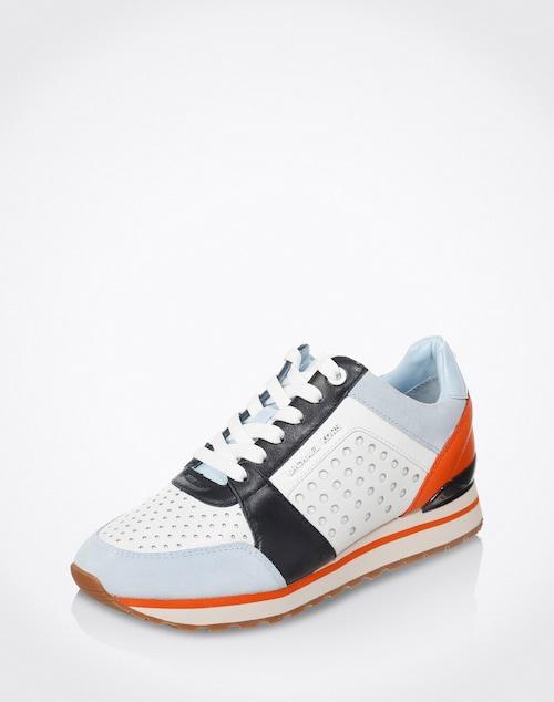 Der sportive Low Sneaker ´Billie Trainer´ von Michael Kors ist aufgrund seines attraktiven, aber dennoch funktionalen Designs für Freizeitaktivitäten und leichtes Training gleichermaßen geeignet.