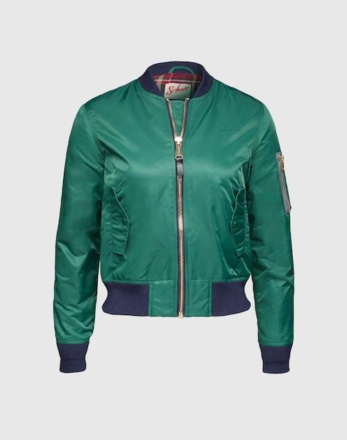 Coole Jacke von Schott NYC mit gestrickten Kontrastbündchen. Die kultige Optik verdankt der Style dem changierenden Nylon und charakteristischen Druckknopftaschen. Trend-Kombi: Mit Skinny und Heels stylen.