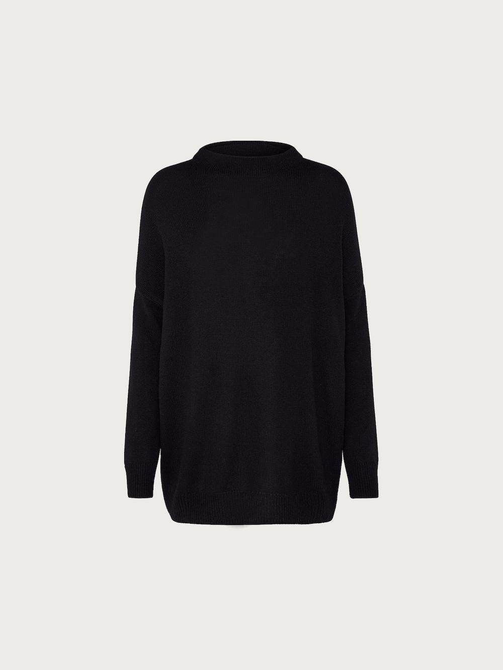 Artikel klicken und genauer betrachten! - Pullover mit Wollanteil von EDITED the label. Super als Basicteil in deinem Kleiderschrank! Der Stehkragen und die überschnittenen Schultern machen dieses Teil besonders. | im Online Shop kaufen